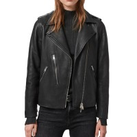Fashionable Coats and Jackets in UK